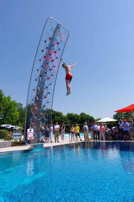 WATERCLIMBING WSO 700 Schwimmbad-Kletterwand