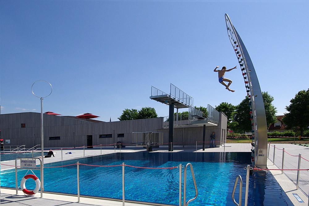 WATERCLIMBING-Kletterwand WSO 600 Schwimmbad-Kletterwand