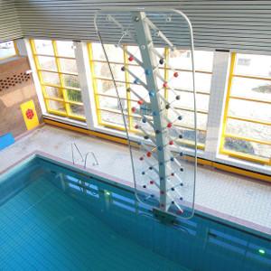 Wasserkletterwand, Schwimmbad Kletterwand
